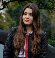 Hande Erçel Actress, Model