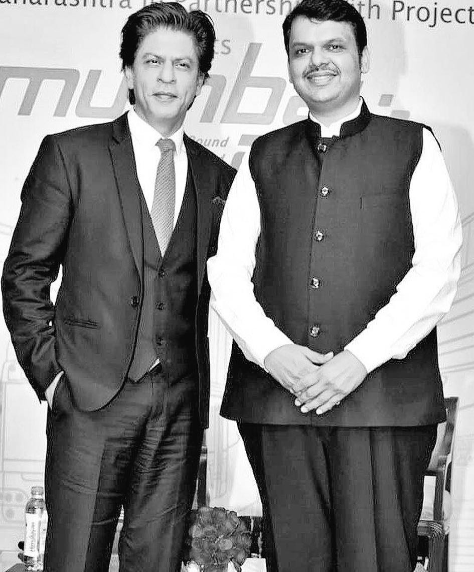 Shah Rukh Khan black and white picture