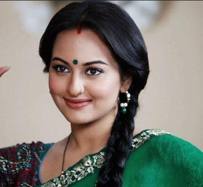 Sonakshi Sinha in indian saari dress