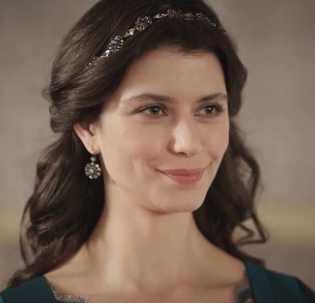Beren Saat Turkish Actress, Voice-over Artist, Philanthropist