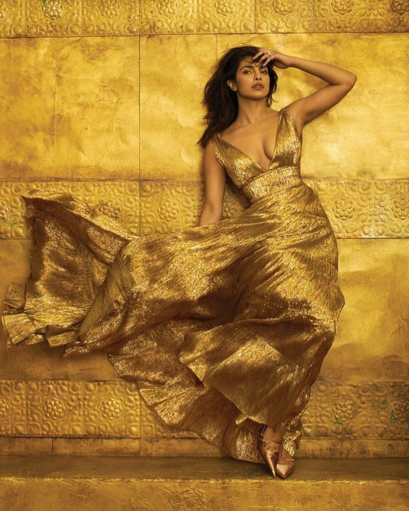 priyanka chopra in golden dress 820x1024