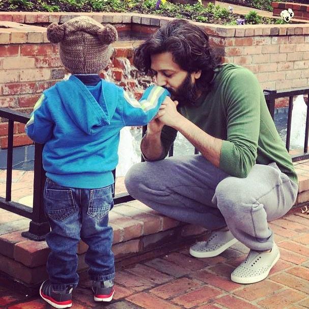 riteish deshmukh with kid