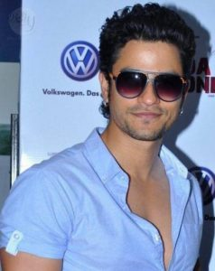 Kunal Khemu Bio, Height, Weight, Age, Family, Girlfriend And Facts - A240579 list 20160519115526 238x300