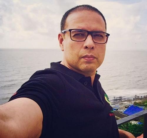 Atul Agnihotri selfie