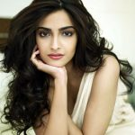 Sonam Kapoor Bio, Height, Weight, Age, Family, Boyfriend And Facts
