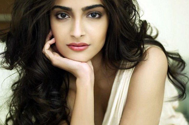 Sonam Kapoor 9 728x480