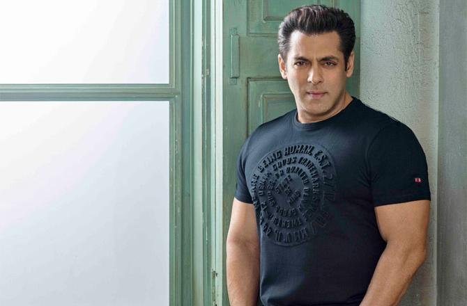 Salman Khan Bio, Height, Weight, Age, Family, Girlfriend And
