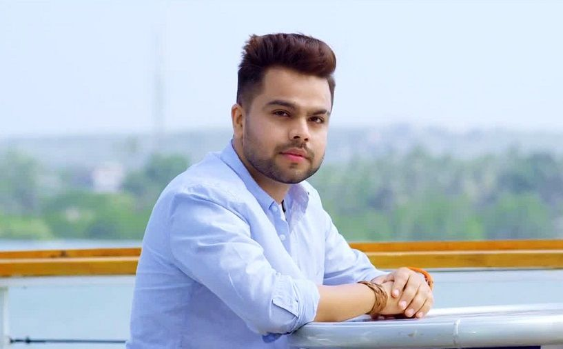 Akhil Pasreja Bio, Height, Weight, Age, Family, Girlfriend And Facts - Punjabi singer Akhil