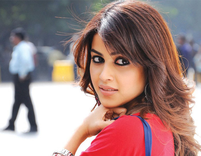 Genelia D'Souza Bio, Height, Weight, Age, Family, Boyfriend And Facts - 11