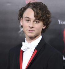 Wyatt Oleff Actor