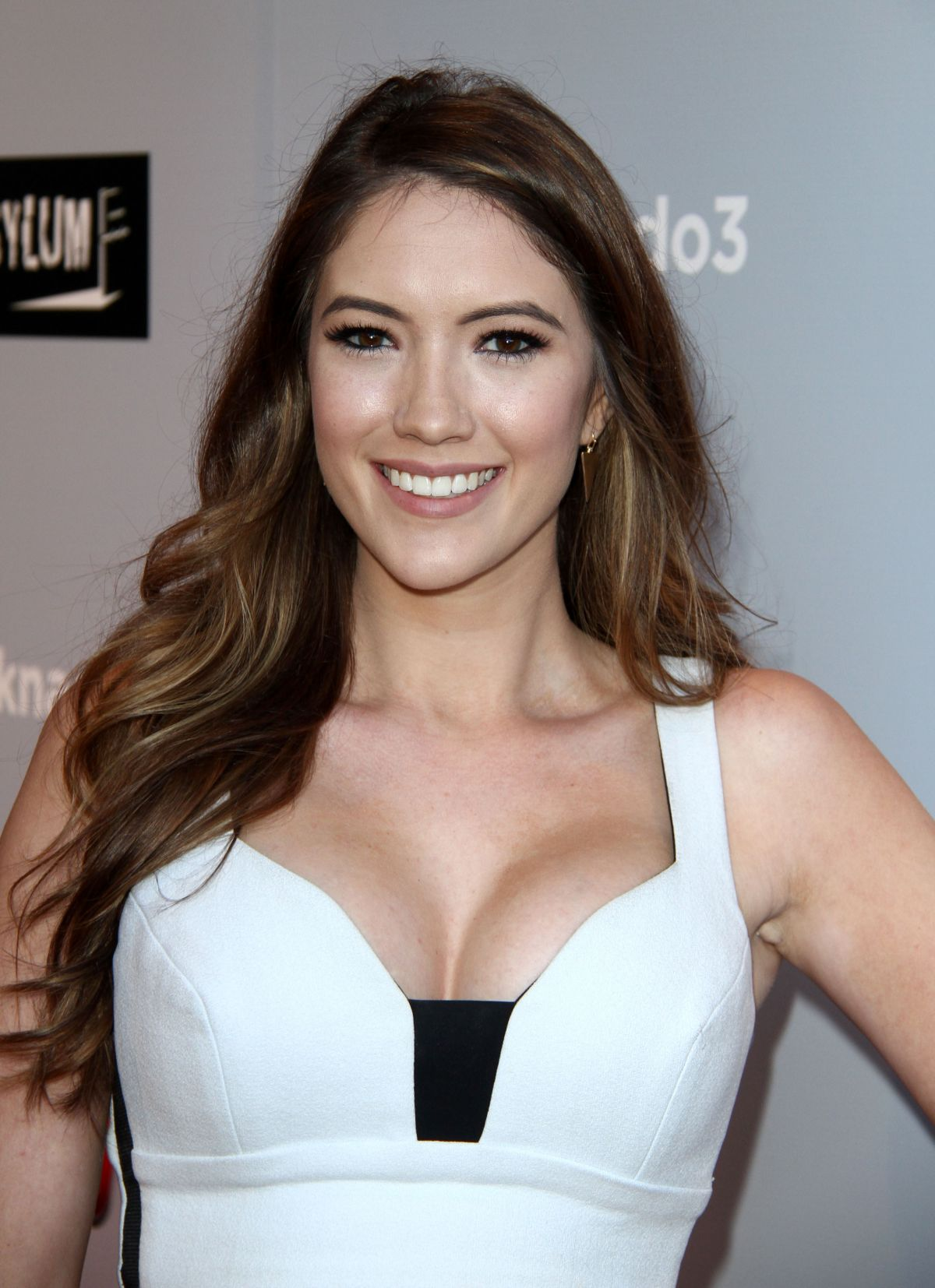 Blair Fowler Bio, Height, Weight, Boyfriend and Facts - blair fowler at sharkando 3 oh hell no premiere in los angeles 1