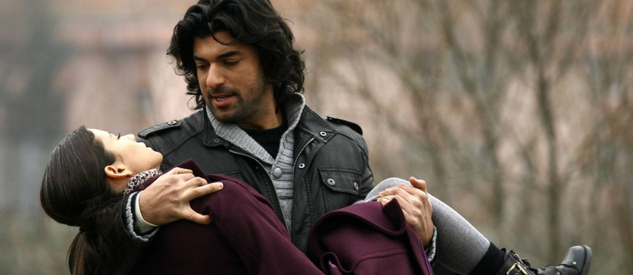 Engin Akyurek (Engin Akyürek) Bio, Height, Age, Girlfriend ...