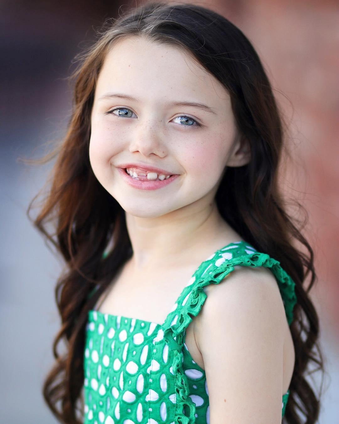 Violet McGraw American Actress