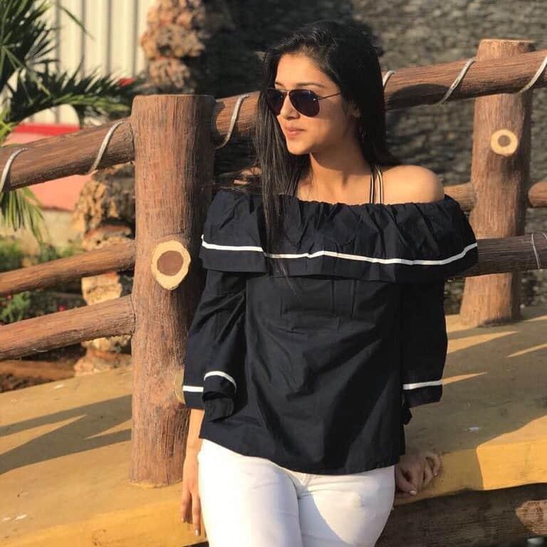 Mallika Singh Age, Bio, Measurements, Height, Weight, Boyfriend