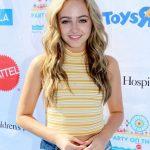 Sophie Reynolds Bio, Height, Age, Weight, Boyfriend and Facts