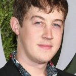 Alex Sharp Bio, Height, Weight, Girlfriend and Facts