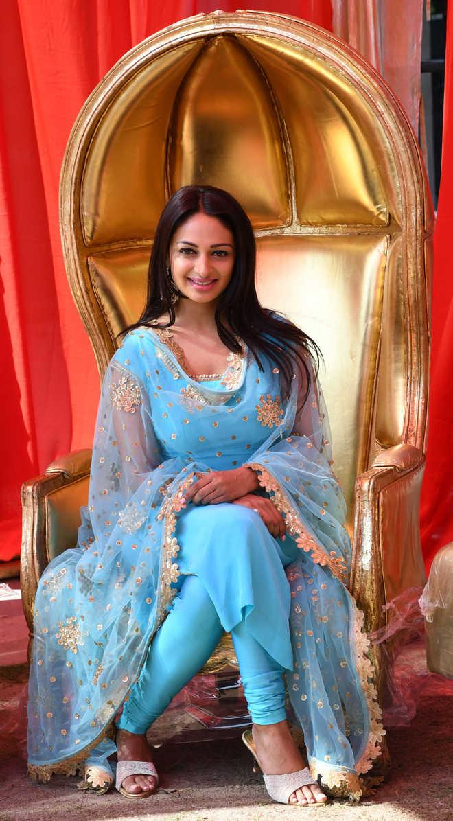 Rubina Bajwa Canadian Actress (Punjabi), Model