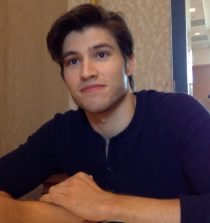 Cameron Cuffe Actor