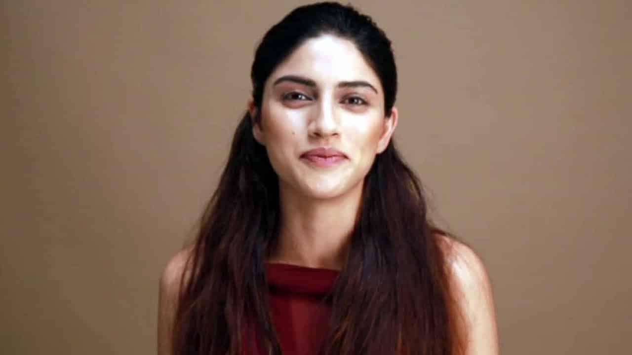 Sapna Pabbi British-Indian Model and Actress