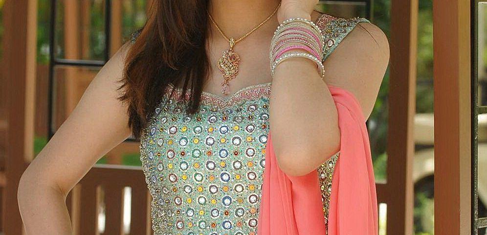 7 Shraddha Arya 996x480