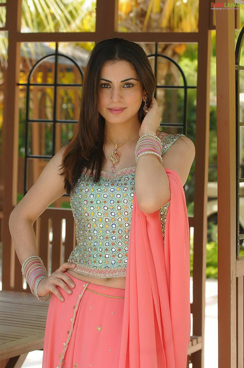 Shraddha Arya Indian Actress