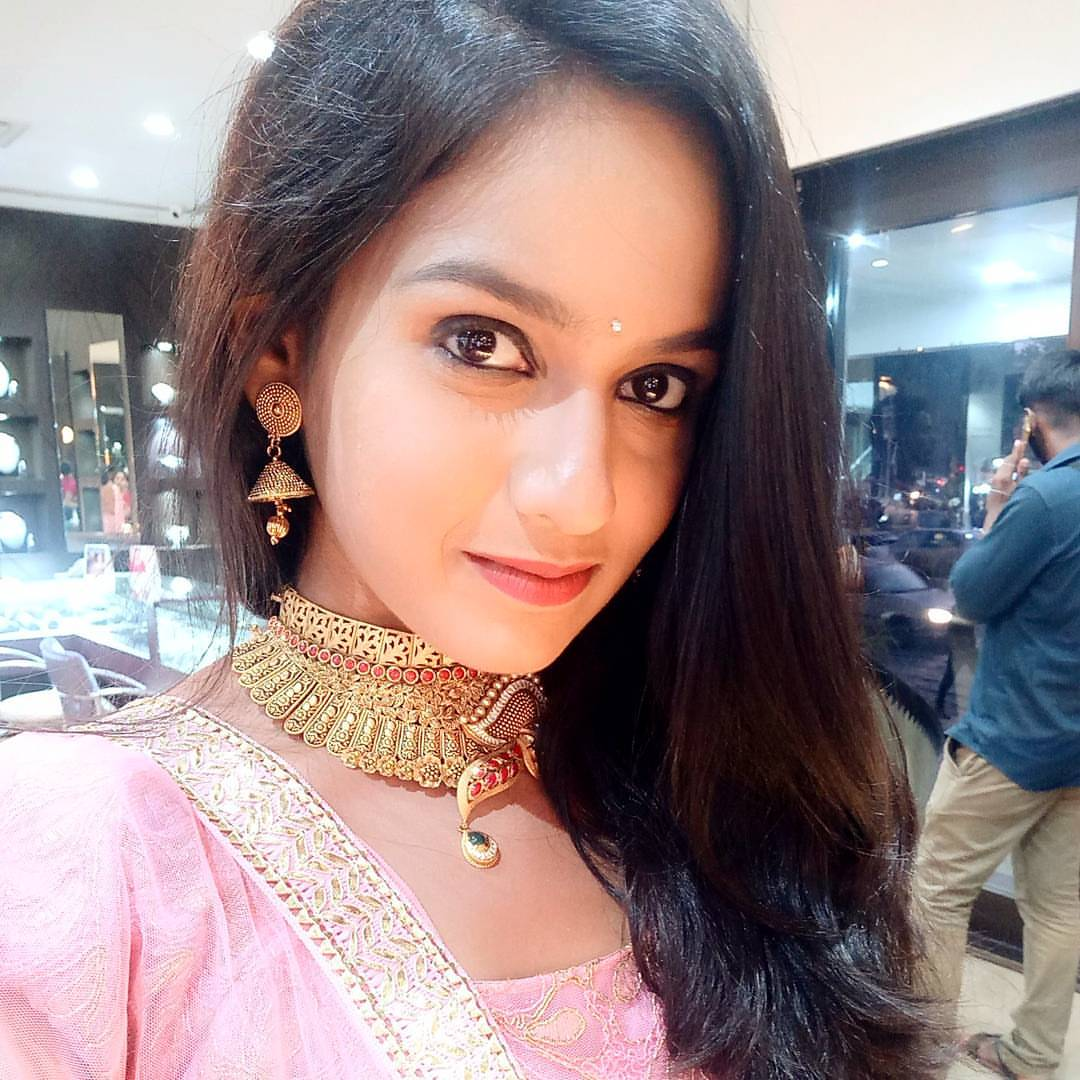 Shivani Baokar Indian Hindi, Marathi TV and Film Actress