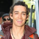 Robert Sheehan Bio, Height, Age, Weight, Girlfriend and Facts