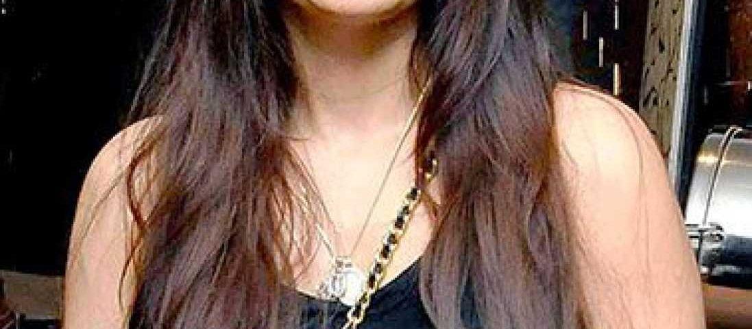 Alvira Khan Agnihotri profile 1097x480