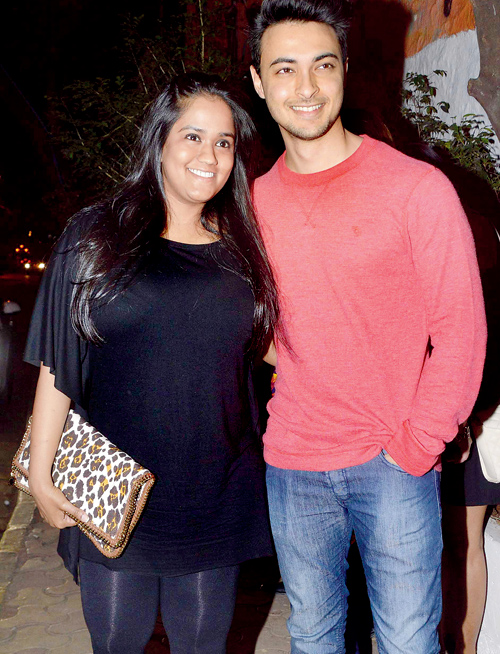 Arpita Khan Bio, Age, Height, Weight, Boyfriend, Husband, Facts - Arpita Khan with husband