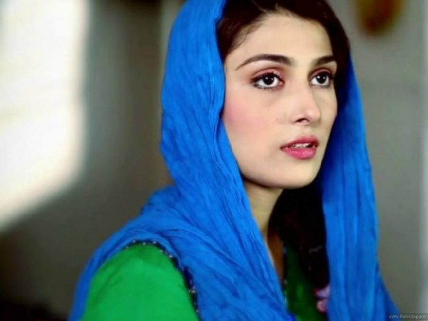 Ayeza Khan Age, Bio, Height, Boyfriend, Weight, Husband, Facts - Ayeza khan photo stills 1024x717 880x660