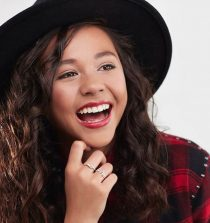 Breanna Yde Actress