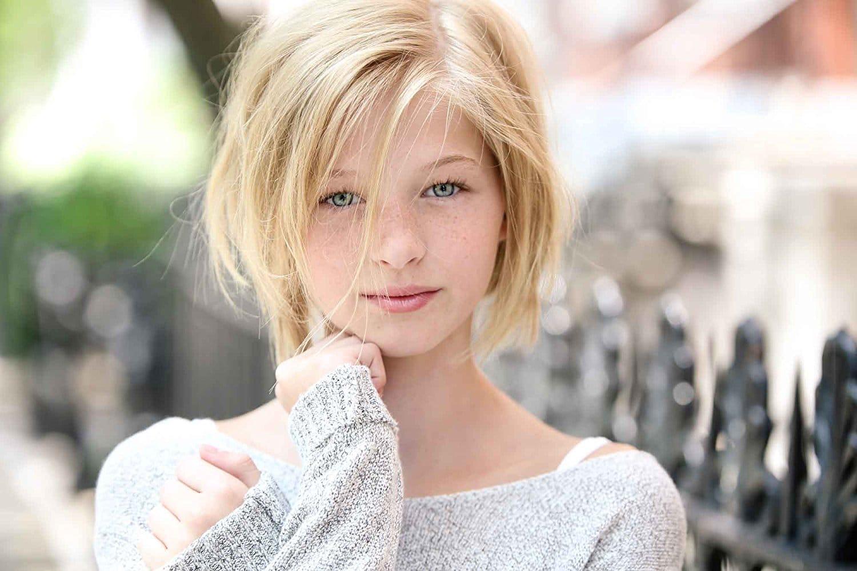 Ekaterina Samsonov blonde hairs