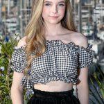 Eleanor Worthington Cox Bio, Height, Age, Weight, Boyfriend and Facts