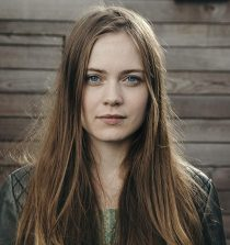 Hera Hilmar Actress