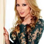 Iulia Vantur Bio, Age, Height, Boyfriend, Married, Weight, Facts