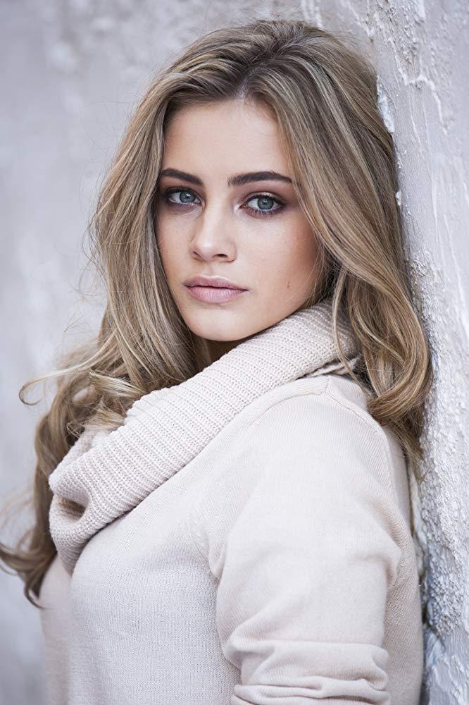 Josephine Langford8