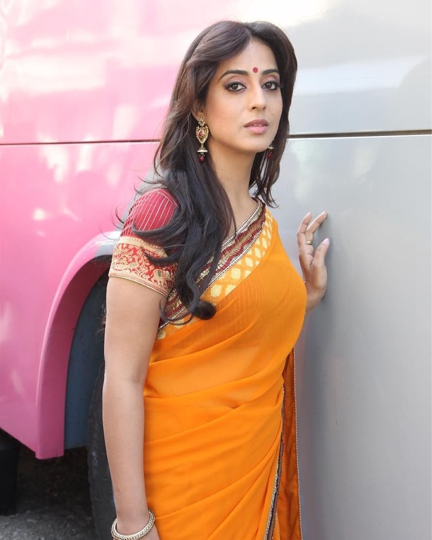 Mahi Gill Saari