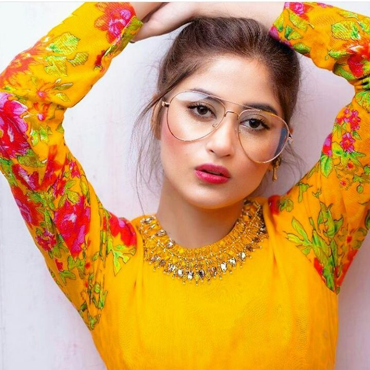 Sajal Ali Firdous Instagram Picture with googles