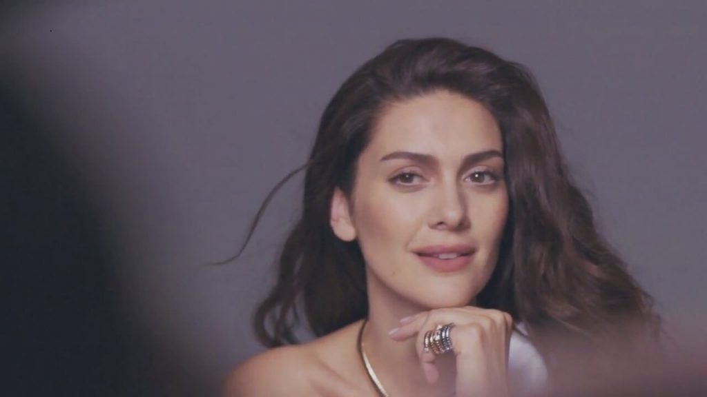 Berguzar Korel (Bergüzar Korel) Bio, Height, Age, Net Worth, Facts and Husband - berguzar korel gaste24 1024x576