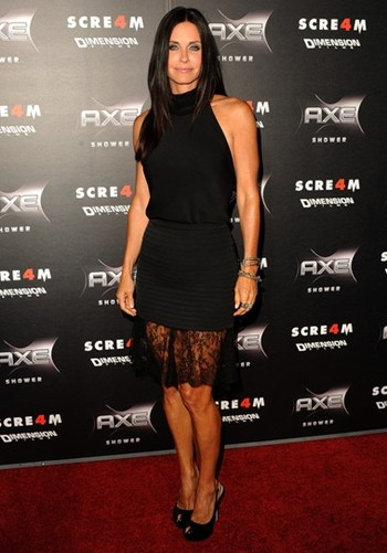 courteney cox height in feet