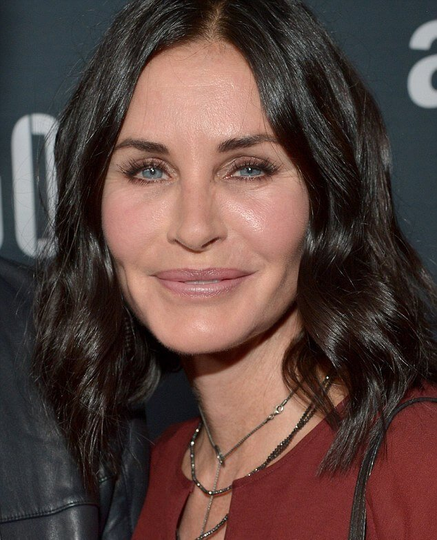 courteney cox height