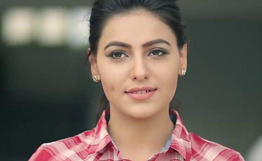 Ginni Kapoor Bio, Height, Age, Weight, Boyfriend, Facts - ginni kapoor bio 880x541