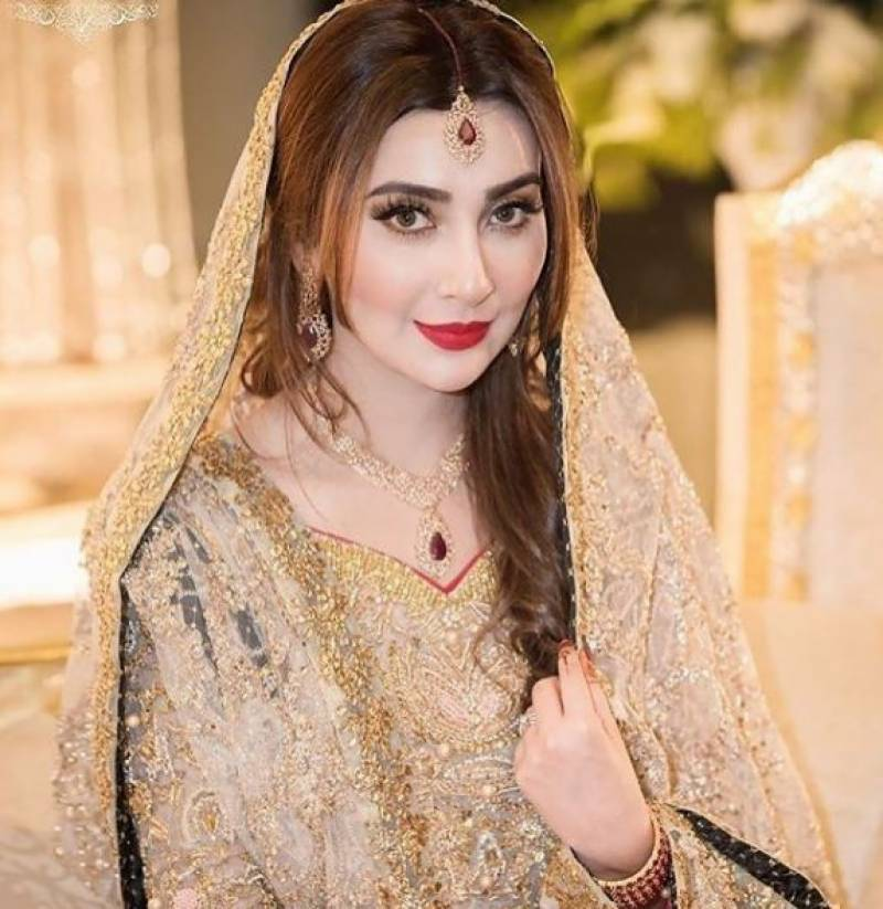gorgeous ayesha khan on her walima ceremony 1523868458 4184