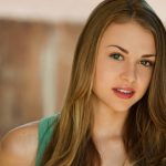 Hayley Erin Bio, Height, Weight, Age, Weight, Boyfriend and Facts