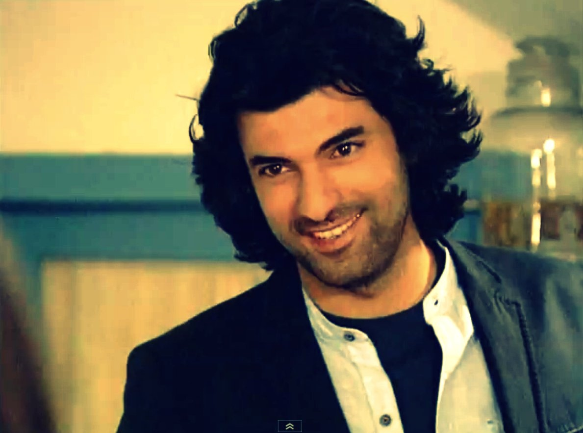Engin Akyurek Turkish Actor, Thespian