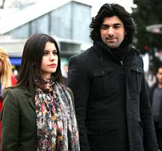 Engin Akyurek (Engin Akyürek) Bio, Height, Age, Girlfriend and Trivia - images 3