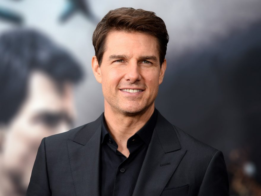 Tom Cruise Height, Bio, Age, Weight, Wife and Facts - tom cruise joins instagram 880x660