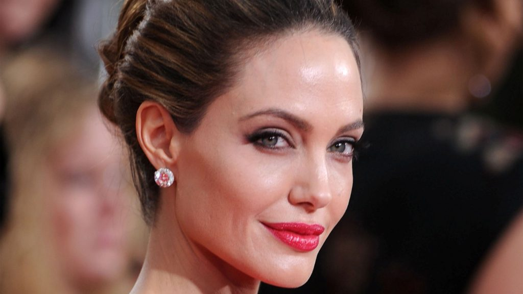 Angelina Jolie HD 1024x576