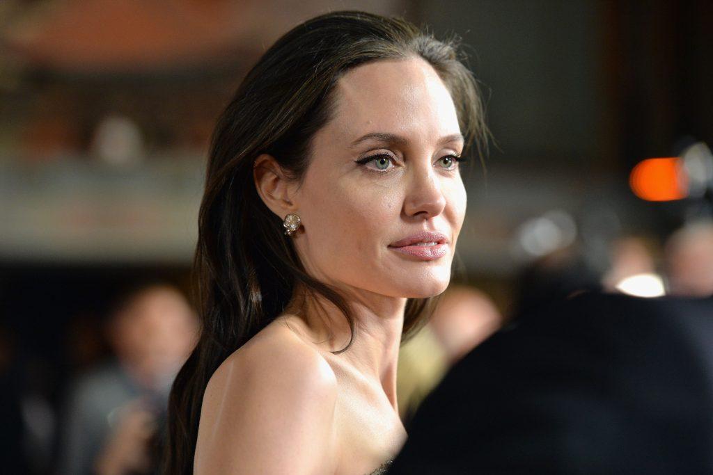 Angelina Jolie HD Desktop 1024x683