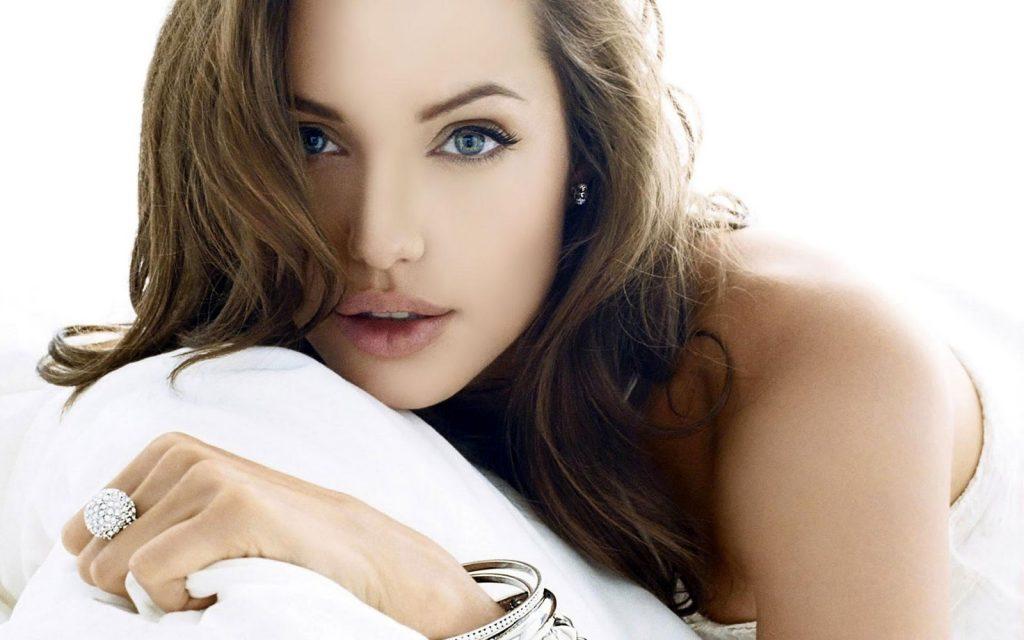 Angelina Jolie HD Wallpapers vviphawallpapers.blogspot.com 43 1024x640